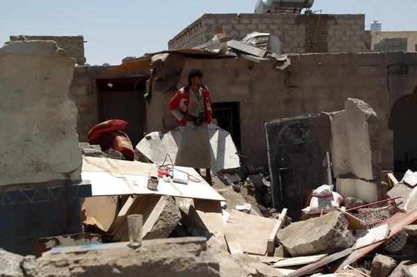 1週間で子ども62人死亡、イエメン「完全崩壊の瀬戸際」 国連
