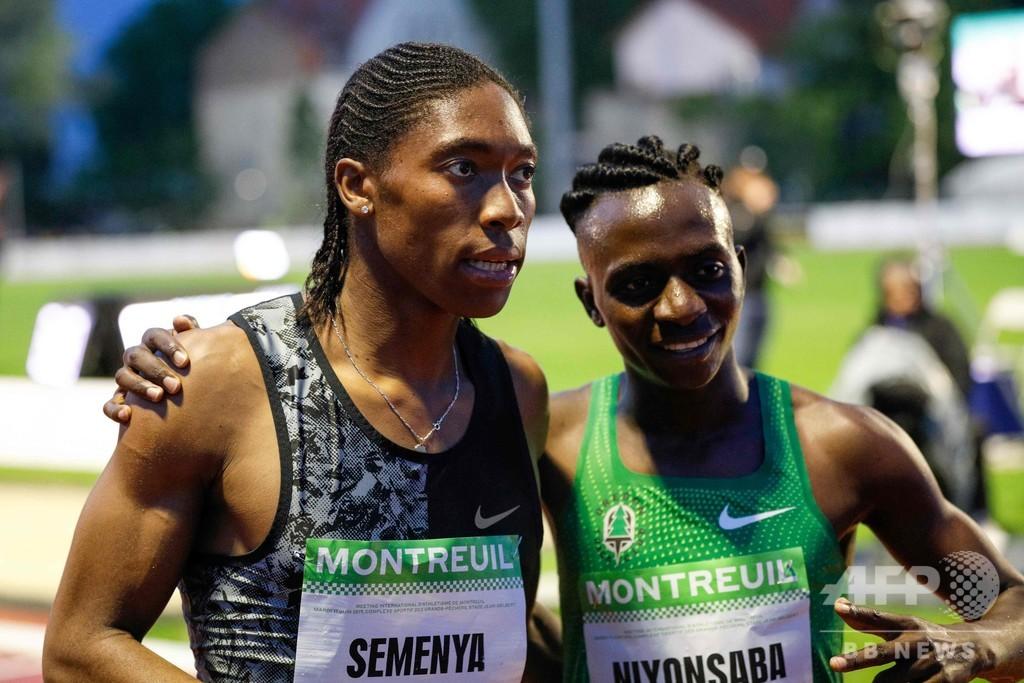 男性ホルモン制限で渦中のセメンヤ、専門外の2000mで優勝