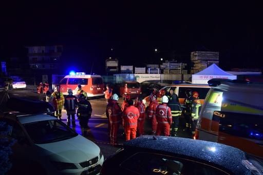 イタリア・アルプスでドイツ人6人死亡  飲酒運転の車にはねられる