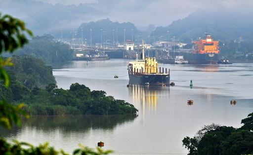 パナマ運河拡張事業、スペイン建設大手が落札 日米連合より安値