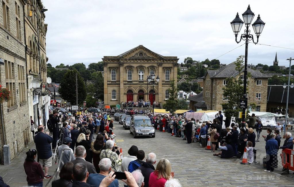 殺害された英女性議員の葬列、花と拍手で送られる 写真9枚 国際 ...