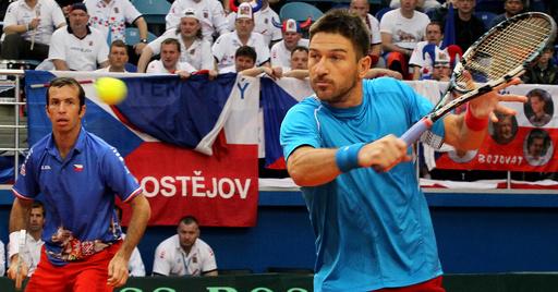 チェコ、ダブルスでカザフスタンに敗れ2勝1敗に デビス杯