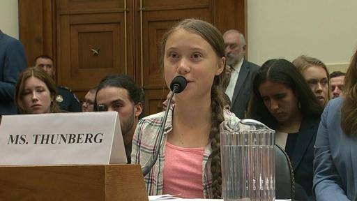 動画:高校生環境活動家トゥンベリさん、米議会で証言「科学者に耳傾けて」