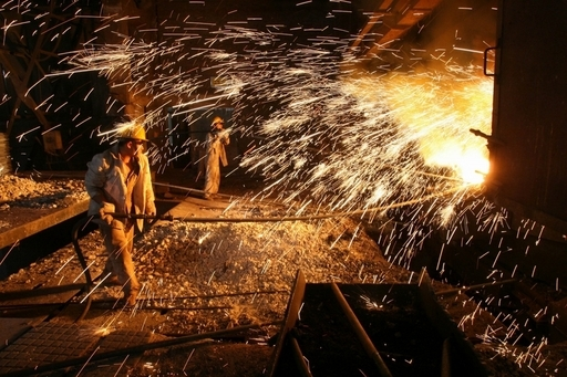 買収反対で経営者を撲殺、中国の鉄鋼労働者