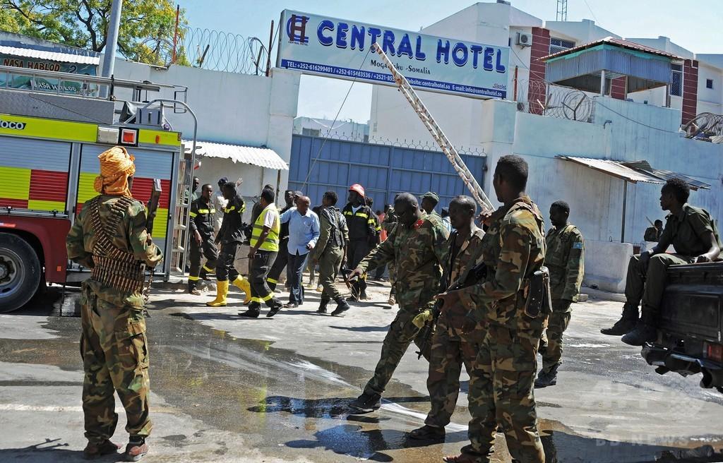 アルシャバーブがソマリア首都の高級ホテルを襲撃、死傷者多数