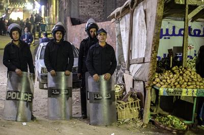 コプト教会付近で爆弾、処理中に爆発し警察官死亡 エジプト