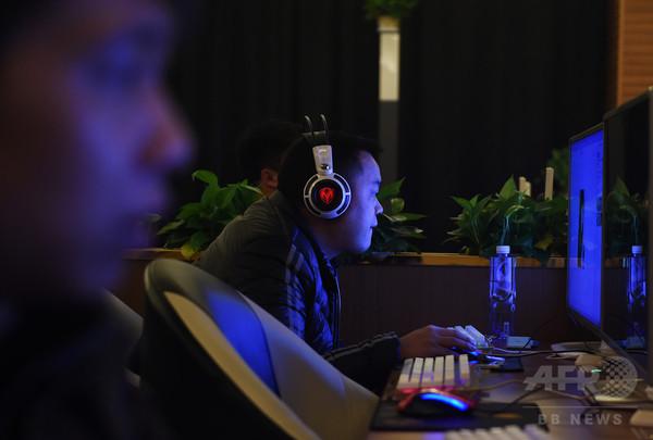 中国、12月からライブストリーミングを検閲へ 急成長で規制強化