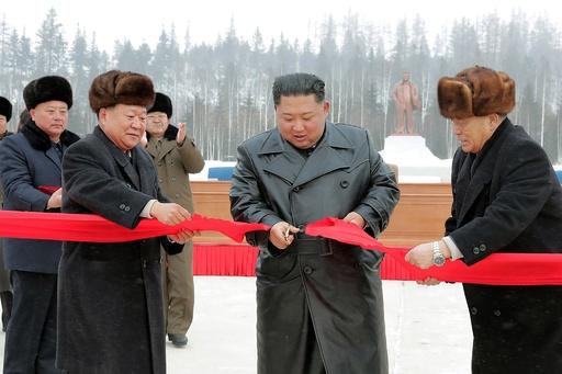 正恩氏、白頭山の麓で開発事業の完工式出席