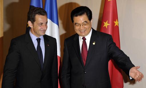 サルコジ仏大統領、五輪開会式出席へ
