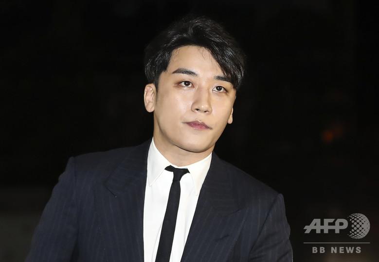 Kポップ界に広がるセックススキャンダル、まん延する女性差別 韓国