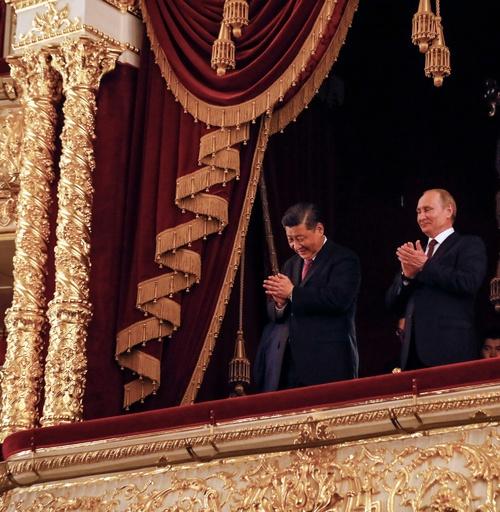 中国の習主席が「親友」プーチン氏を訪問、中ロ関係の新時代誓う
