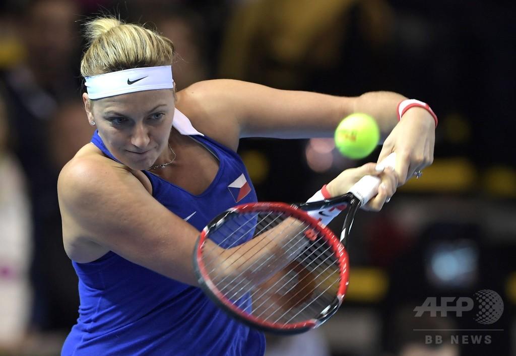 テニスのクビトバ選手、強盗被害で利き手重傷 手術受ける