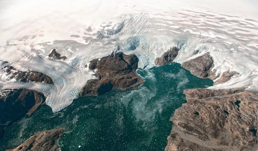 グリーンランドの氷の融解速度、80年代以降で6倍に加速 研究