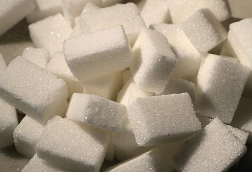 砂糖をまいて厄を払え!交通事故増加で市長が指示 ブルガリア