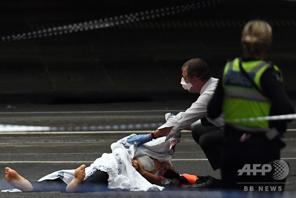 豪、刃物持った男が3人殺傷 「テロ」として警察が捜査