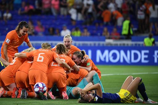 【写真特集】女子サッカーW杯フランス大会、準決勝
