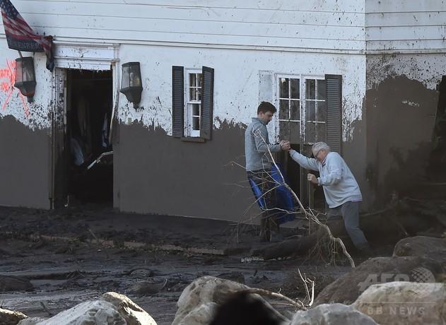 米カリフォルニア州の土石流、死者17人に 懸命の捜索続く