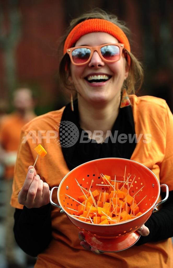 「ミモレットを救え」仏産チーズの輸入禁止に抗議デモ 米NY