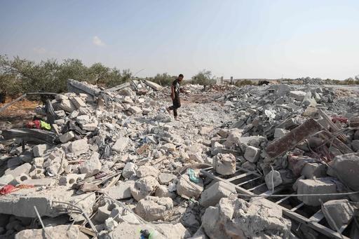 ヘリからの銃撃でIS関係者ら9人死亡、最高幹部の死と関連の可能性 シリア