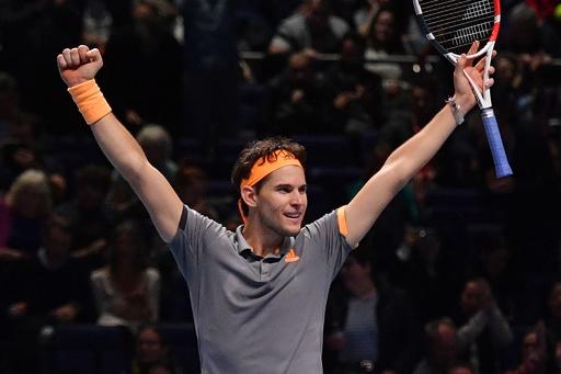 ティエムが前回王者ズベレフ退けて決勝へ、ATPファイナルズ