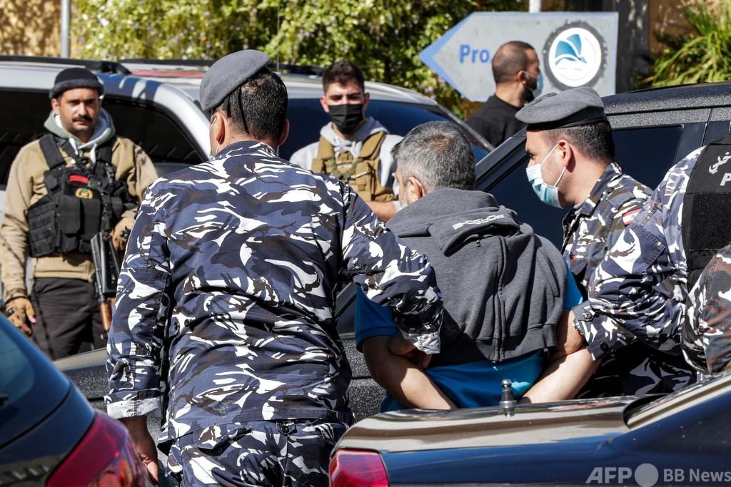 レバノン拘置所から69人脱走、44人逃亡中 看守と共謀?