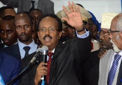ソマリア首都で自爆攻撃、20人死亡 新政権発足後で最悪