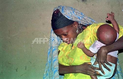 「赤ちゃん製造工場」を摘発、少女32人を保護 ナイジェリア