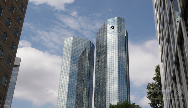 プーチンに手を貸すドイツ銀行、経済制裁骨抜きに