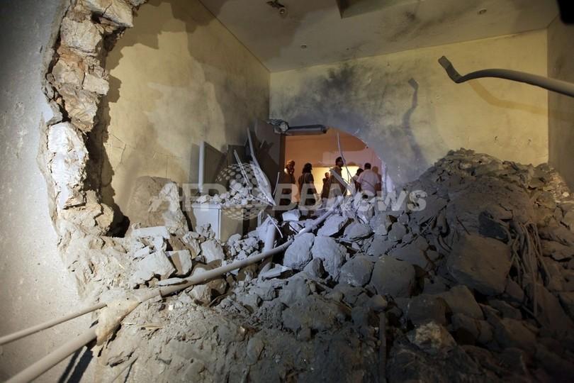 カダフィ大佐の息子が空爆で死亡、孫3人も