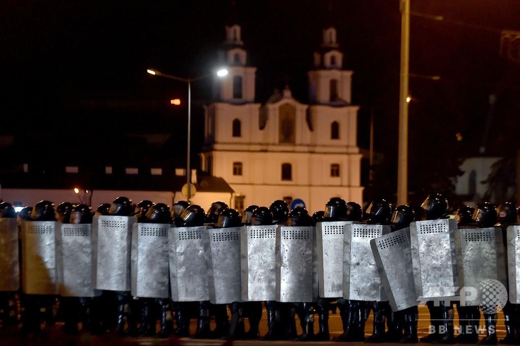 ベラルーシ大統領選、デモ隊と警察が衝突 負傷者出たもよう