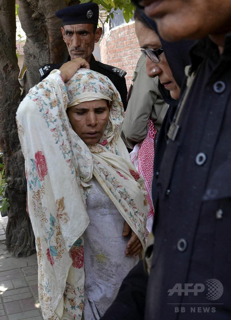 反対押しきり結婚した娘を「名誉殺人」、母親に死刑判決 パキスタン