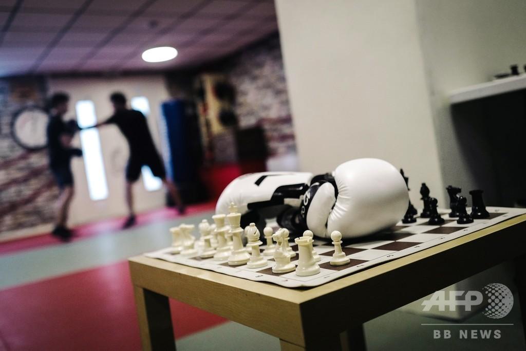 知性と体力で勝負 「チェスボクシング」 仏