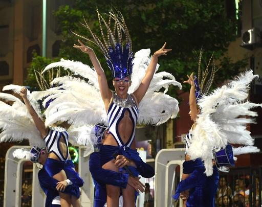 世界最長のカーニバル、華やかに開幕 ウルグアイ