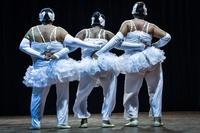 太めだって踊りたい! キューバのぽっちゃりバレエ団