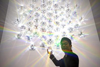 アーティスト/デザイナー吉岡徳仁、虹の彼方に見つめるもの