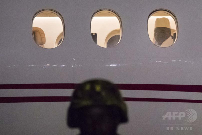 ガンビア前大統領、亡命直前に12.5億円持ち出しか 国庫ほぼ空