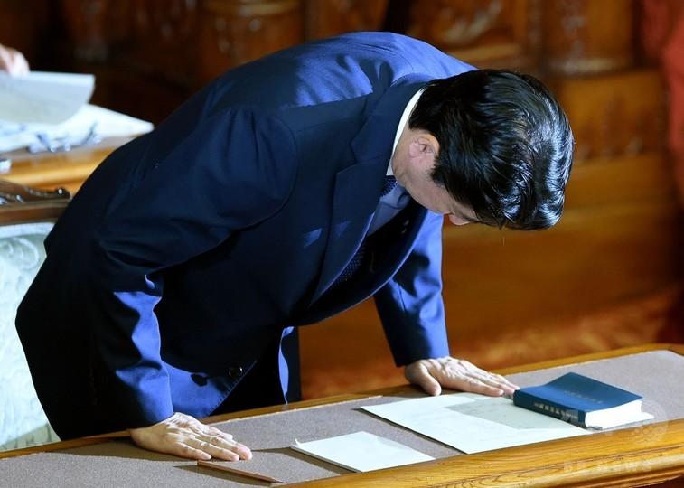 参院本会議、安倍首相問責決議案...