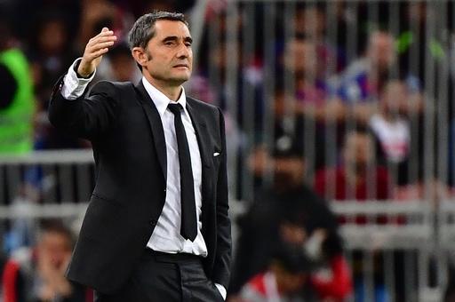 バルセロナがバルベルデ監督を解任、後任はセティエン氏
