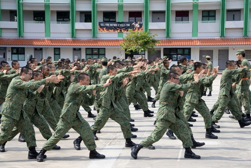 兵役中の事故死相次いだシンガポール、徴兵制の必要性を再強調