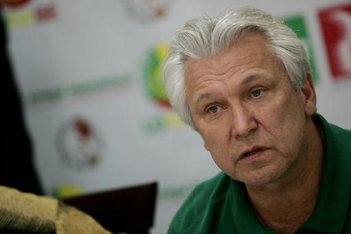 セネガル代表 カスペルチャク監督が辞任