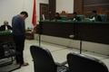 性行為した男性カップルに公開むち打ち85回の判決 インドネシア