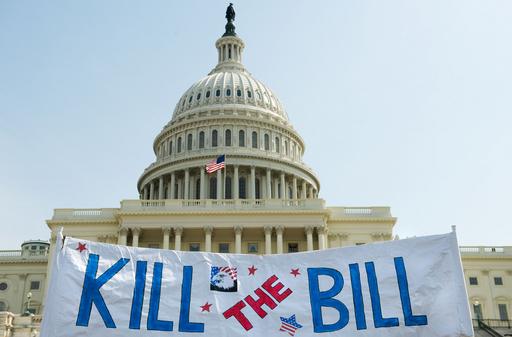 医療保険改革法を支持した米民主党議員に脅迫相次ぐ