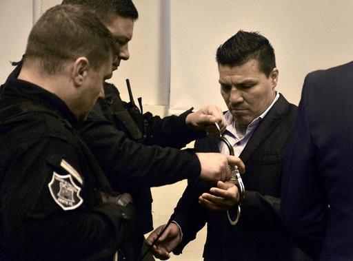 ボクシング元世界王者、娘への性的虐待で禁錮18年 アルゼンチン