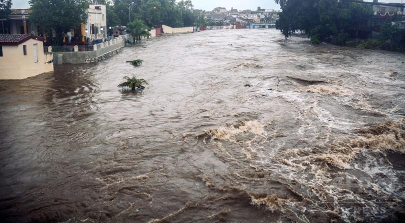 亜熱帯暴風雨「アルベルト」による洪水で7人死亡 キューバ
