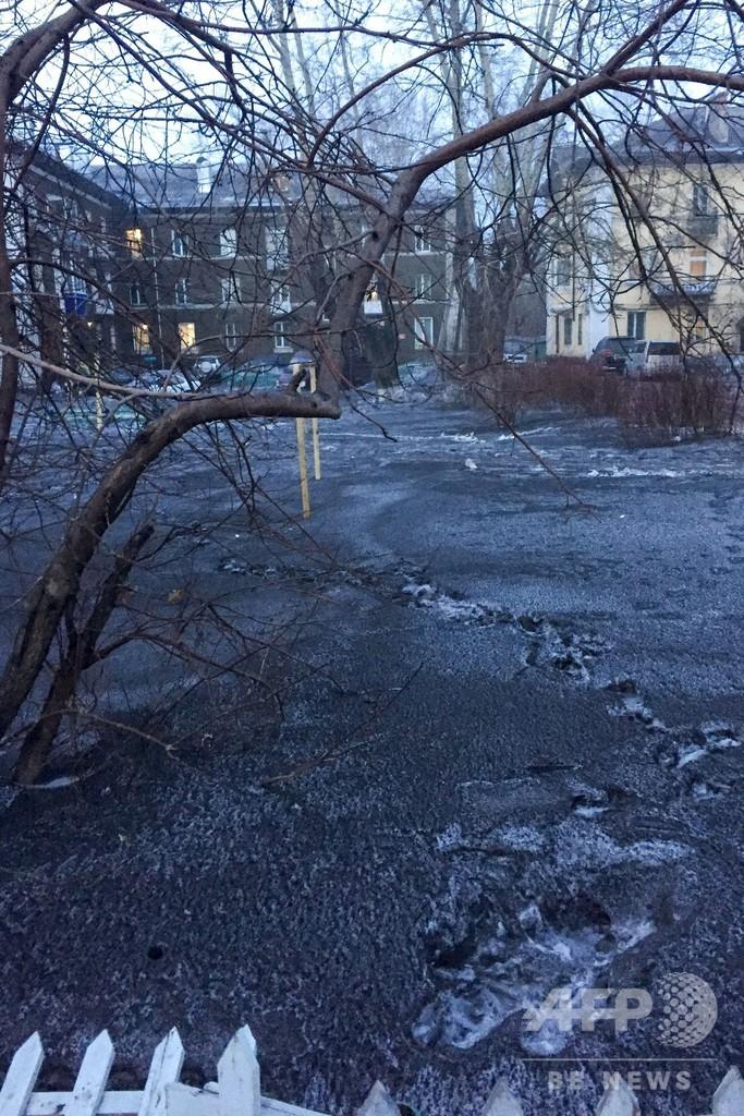 大気汚染で「黒い雪」、石炭処理工場を一時閉鎖 ロシア・シベリア