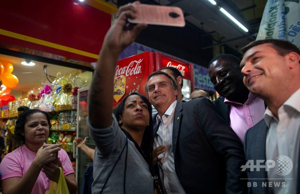 ブラジル大統領選の最有力候補、腹部刺され内臓に達する重傷