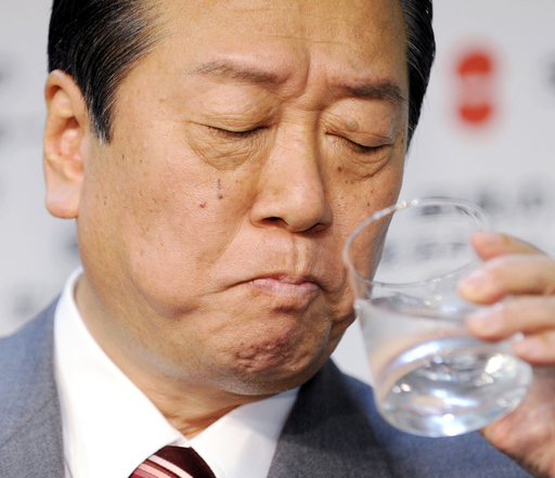 小沢代表「辞めるべき」が57%、毎日新聞