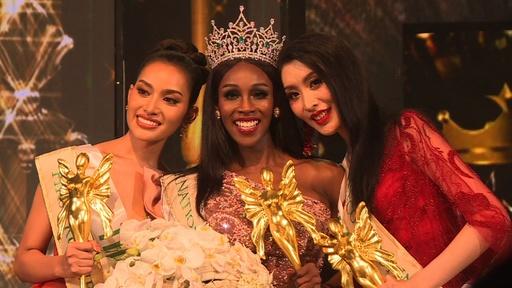動画:タイでトランスジェンダーの美人コンテスト、優勝は米国代表