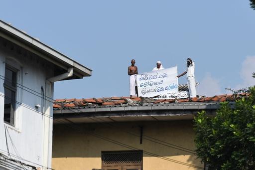 スリランカ刑務所で受刑者らが釈放要求デモ、死刑囚への恩赦受け