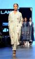 インド最高峰のファッションショーに初のトランスジェンダーモデル